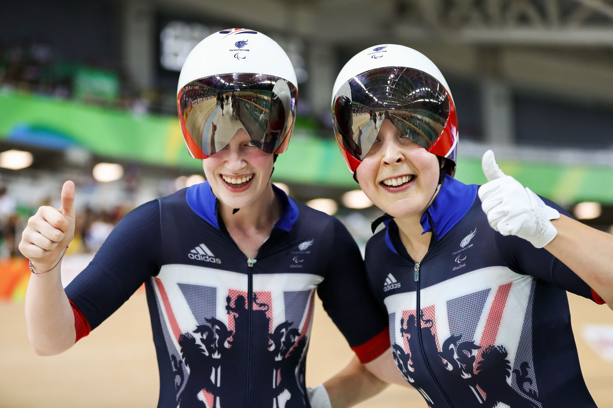 Sophie Thornhill and Helen Scott broke their second world record in as many days ©Getty Images