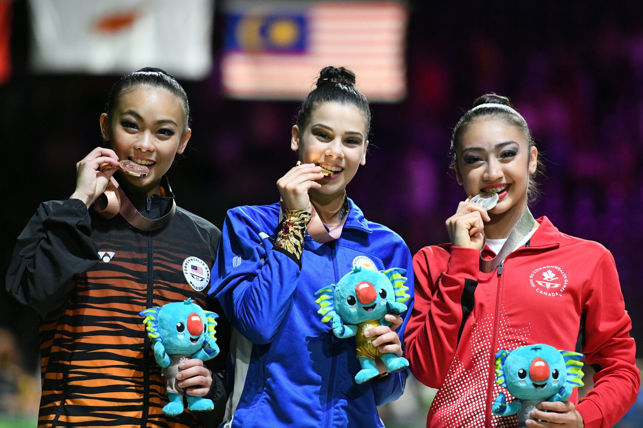 Diamanto Evripidou, centre, poses alongside her fellow medal winners ©Getty Images