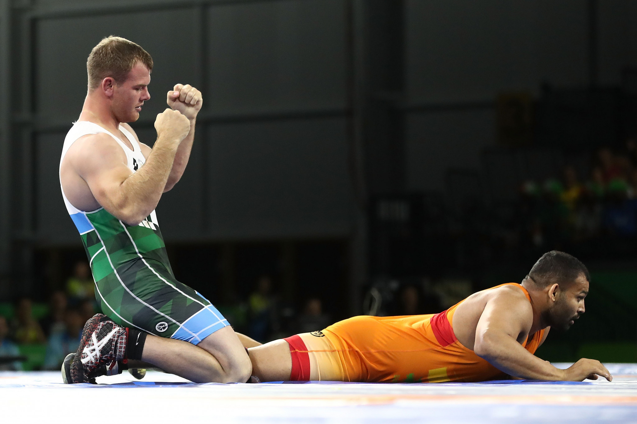 South Africa's Martin Erasmus beat India's Mausam Khatri in the men's 97kg freestyle final ©Getty Images