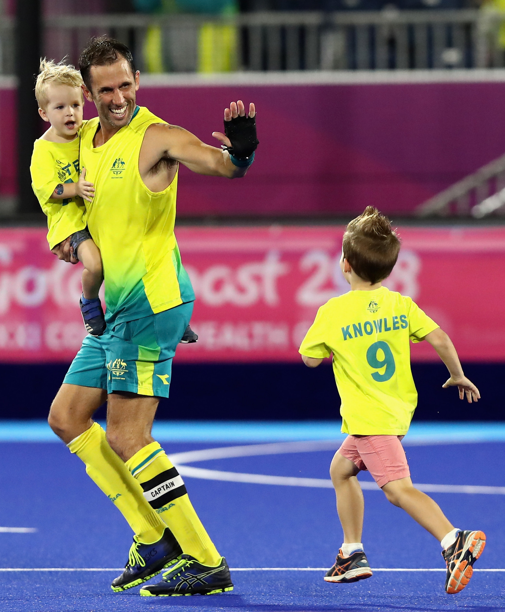 Retiring legend Knowles enjoys perfect end to career as Australia beat New Zealand to men's hockey gold at Gold Coast 2018
