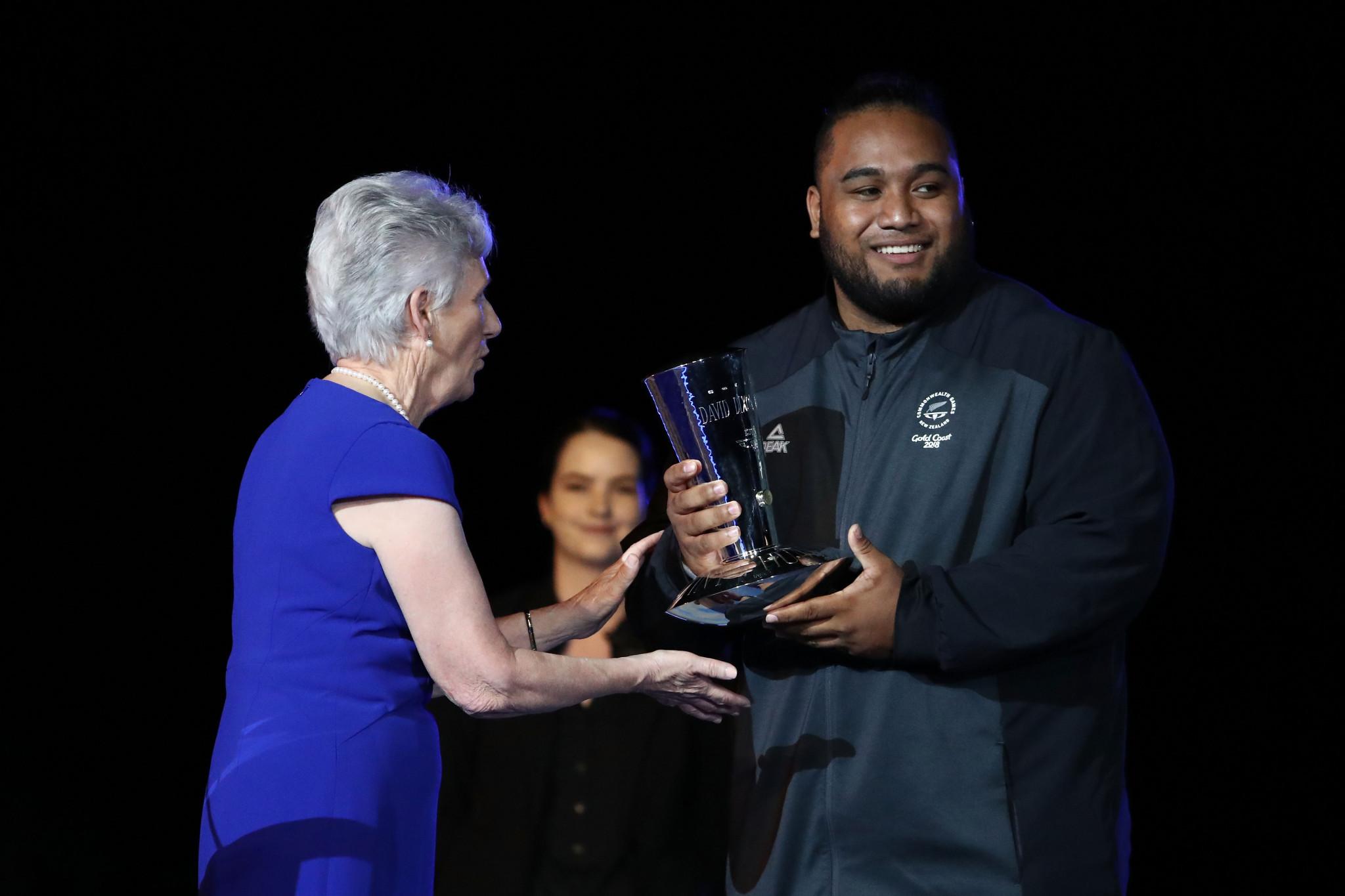 New Zealand weightlifter Liti given David Dixon Award for sportsmanship during Gold Coast 2018