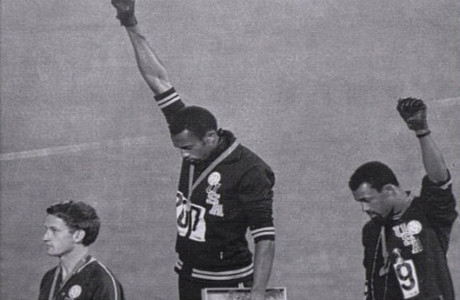 Peter Norman, left, will be honoured with a statue for supporting the civil rights protest of Tommie Smith and John Carlos ©Getty Images