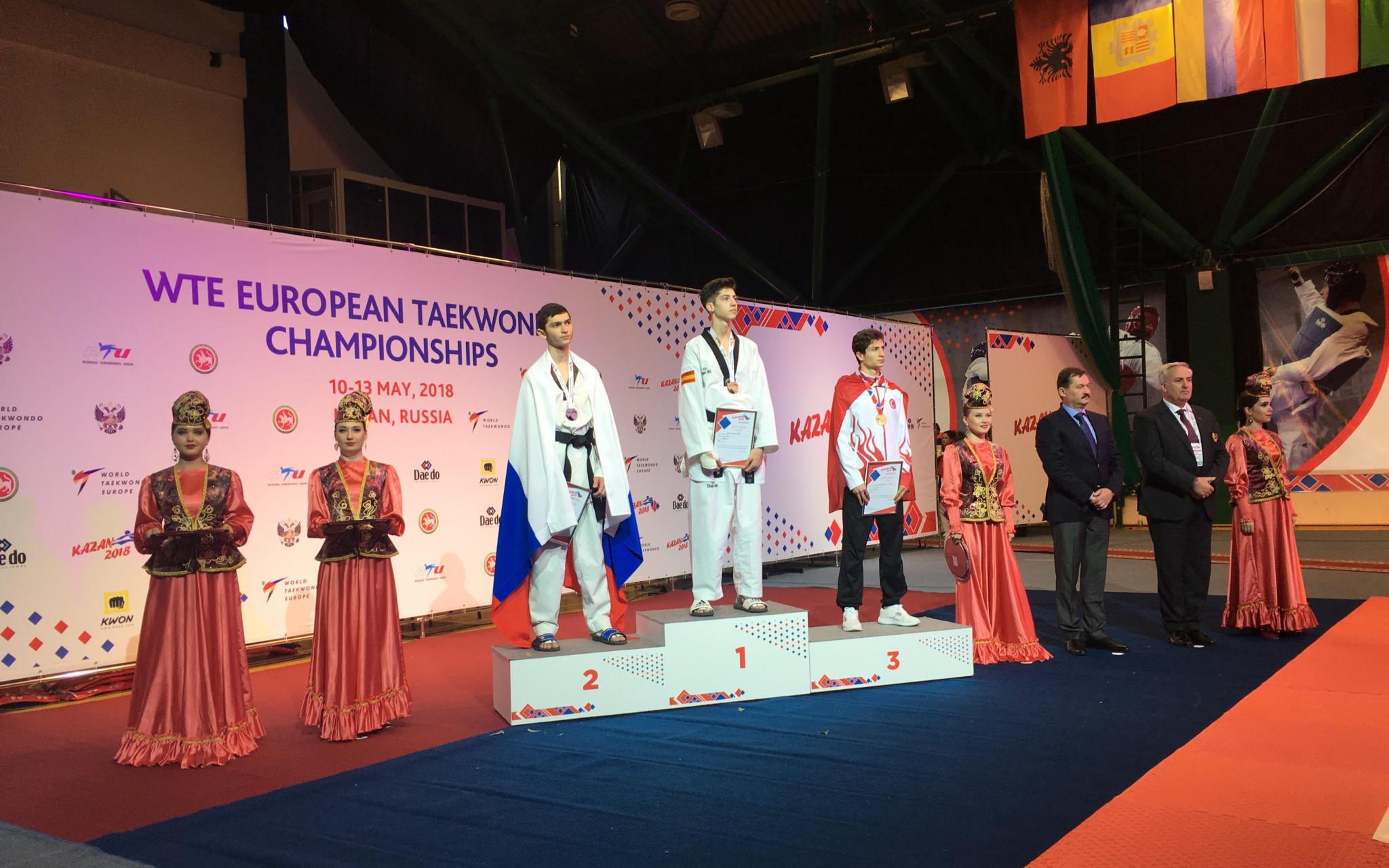 Spain's Adrian Vicente topped the men's under-54kg podium ©World Taekwondo Europe/Murat Tarhan
