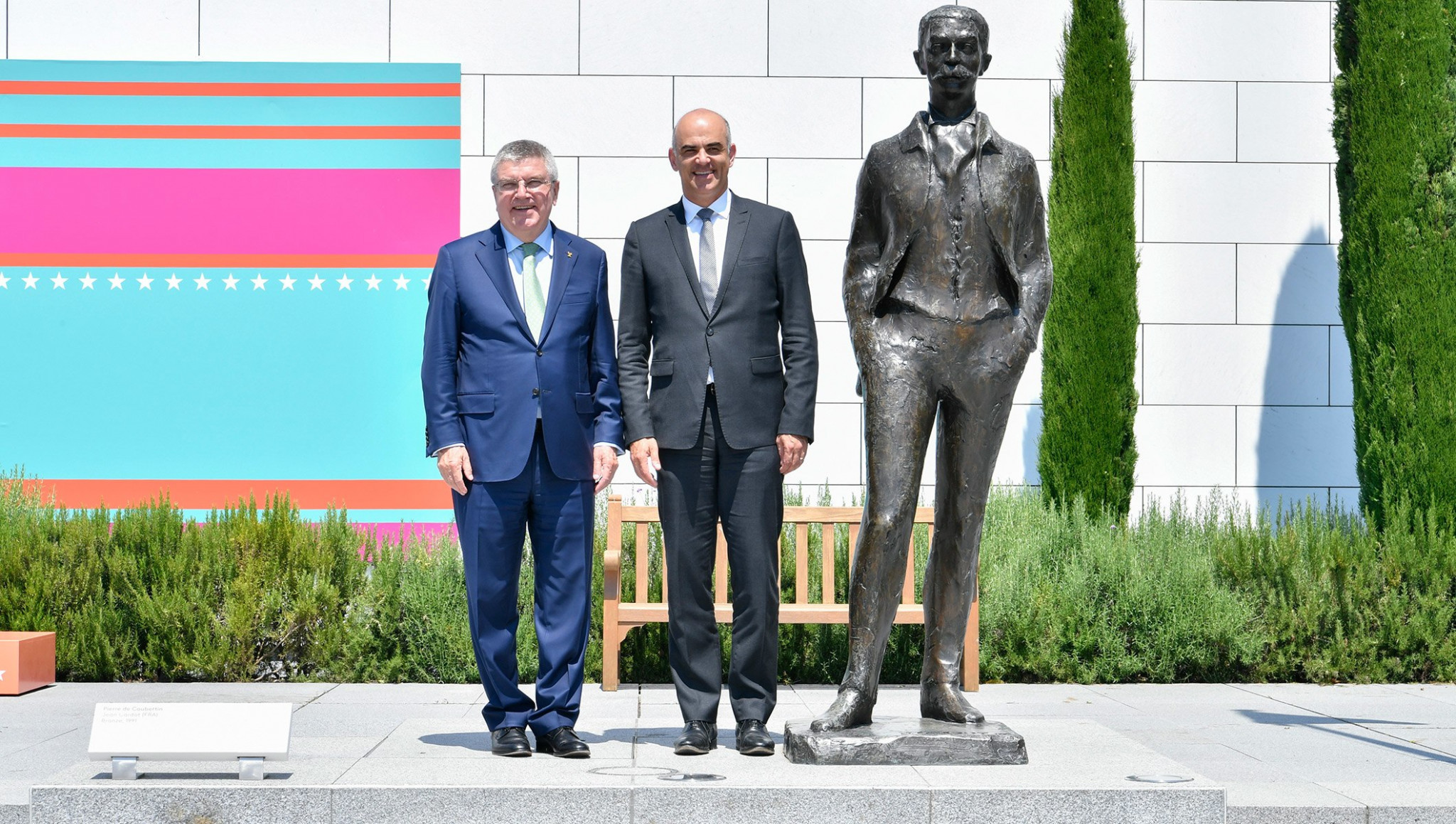 Bach welcomes Swiss President to Olympic Museum