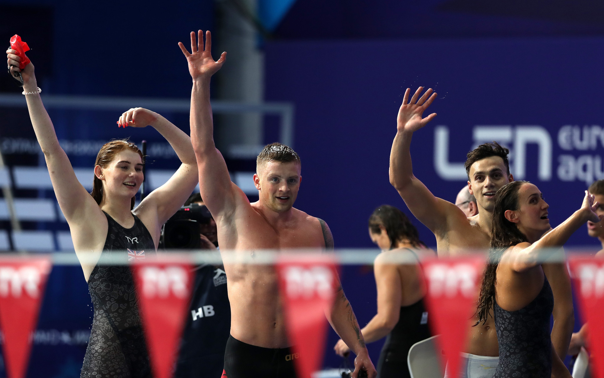 Hosts Britain break mixed medley relay European record as swimming action continues at Glasgow 2018