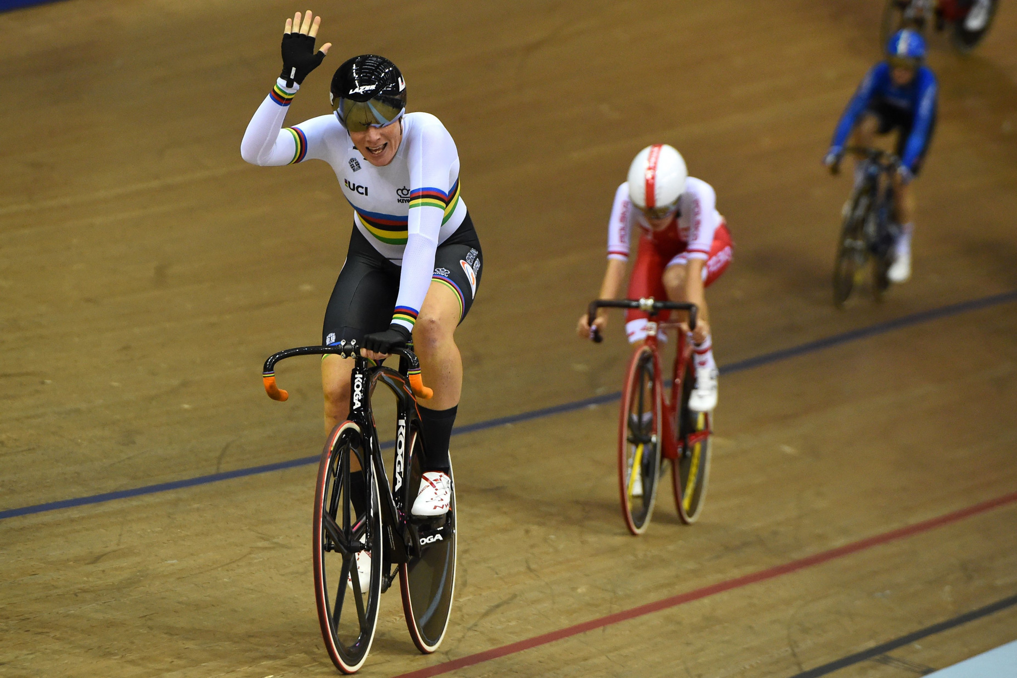 Wild wins omnium duel with Archibald to claim second gold at European Championships