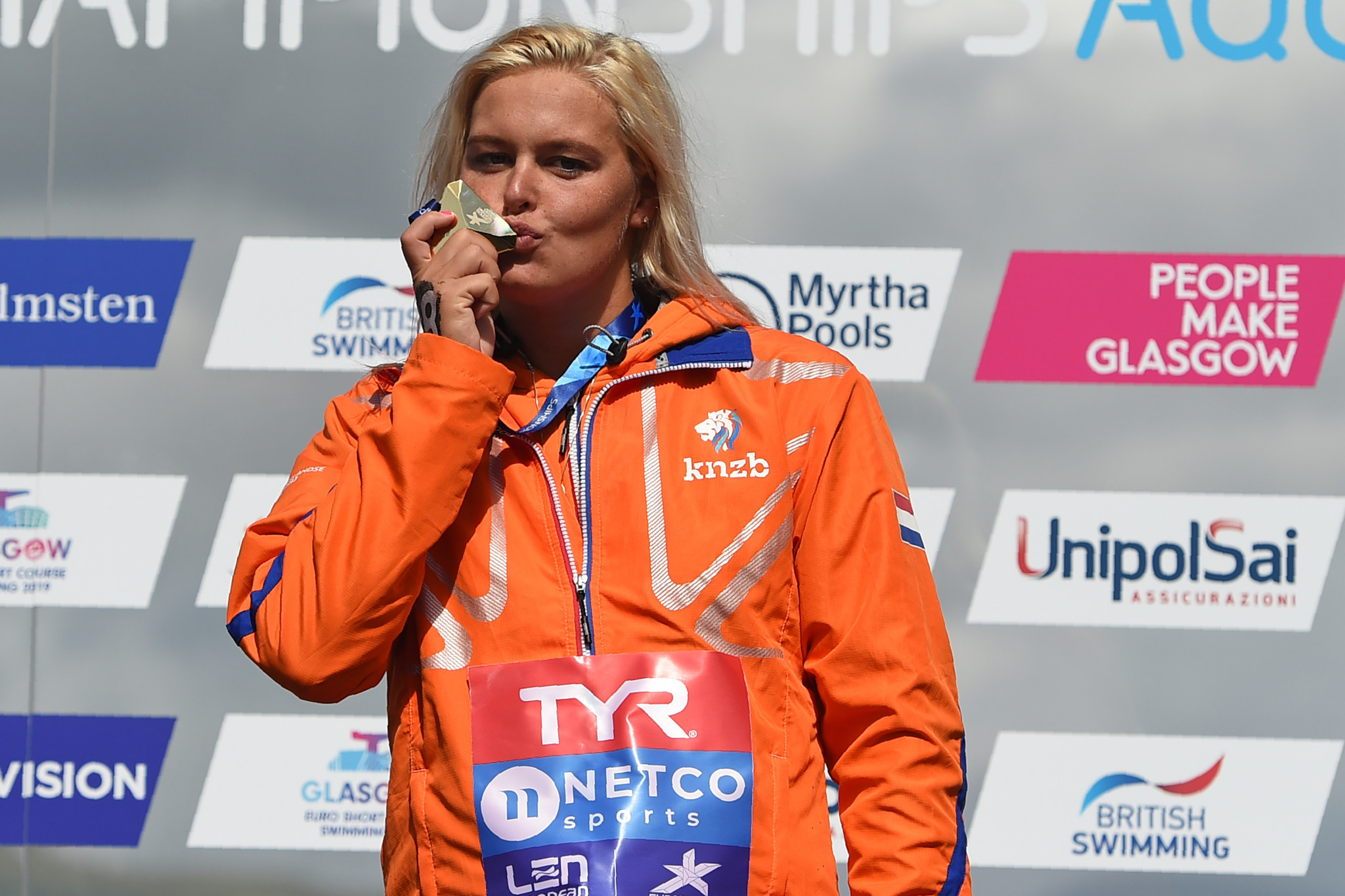 Van Rouwendaal triumphs again at European Championships as Weertman wins open water title in photo finish