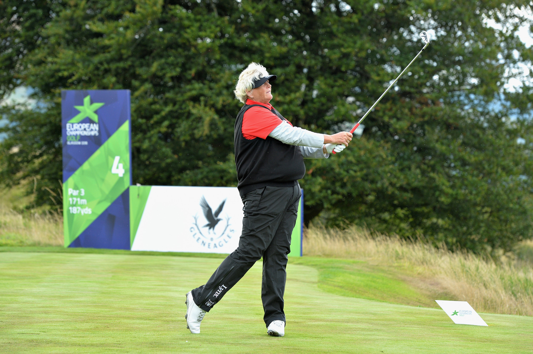 Britain's Laura Davies and Georgia Hall booked a place in the women's semi-finals ©Getty Images