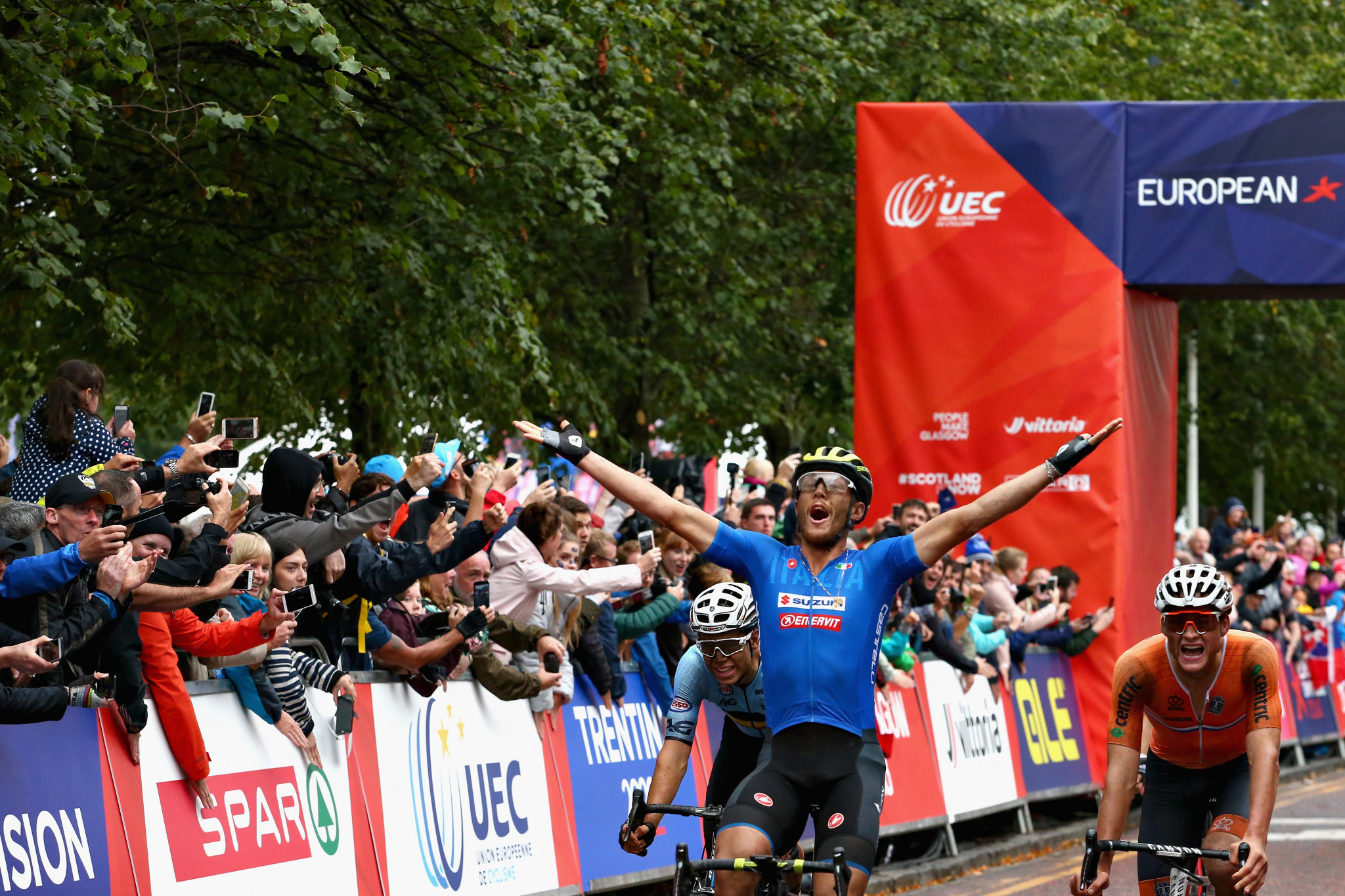 Trentin triumphs from cyclo-cross stars in men's road race at Glasgow 2018