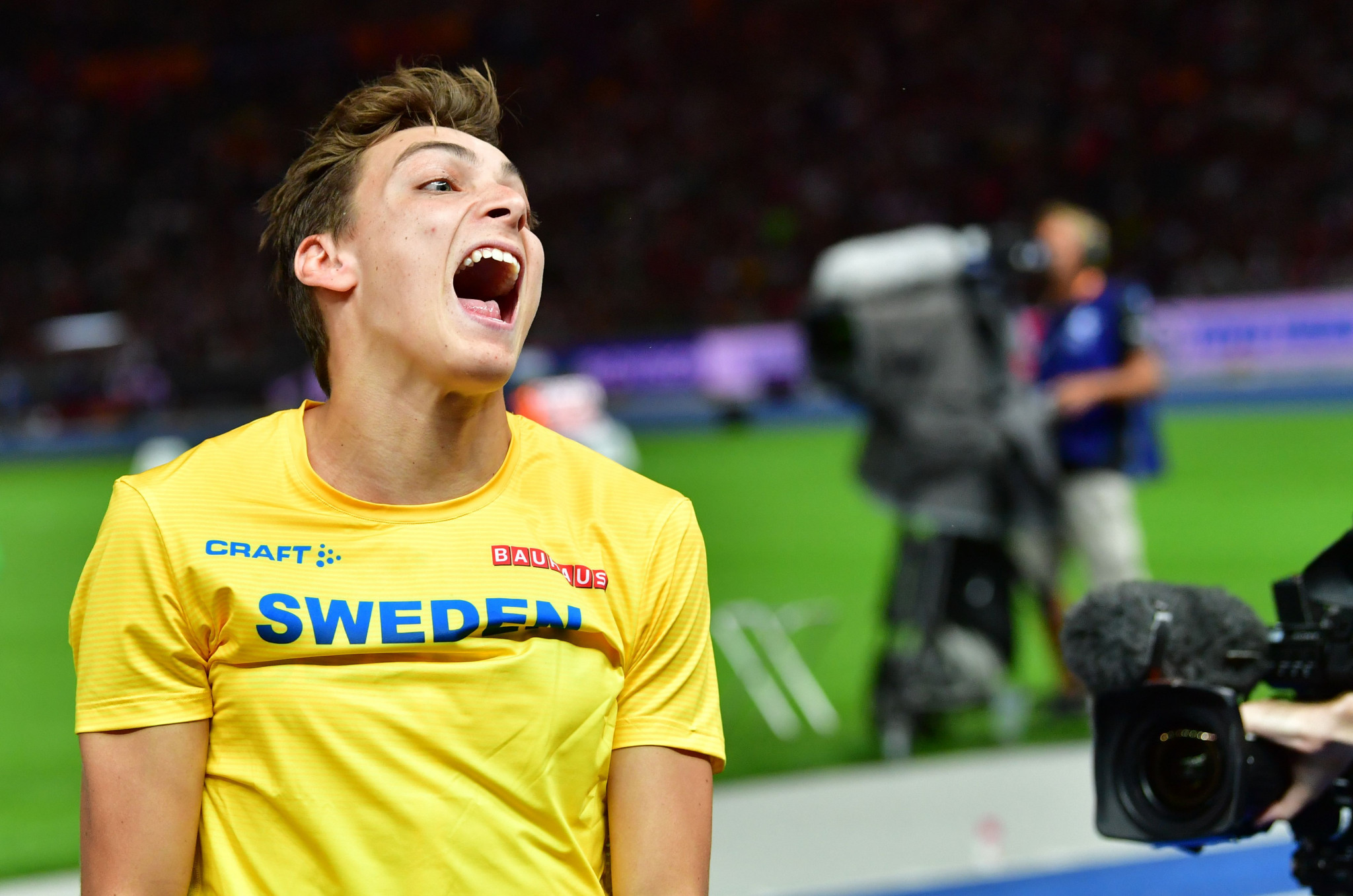Britain top medal table with three final night golds as Duplantis does an Ingebrigtsen in the pole vault
