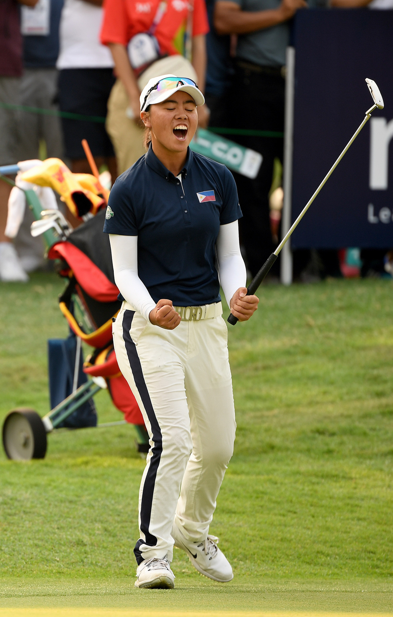 Yuka Saso won the women's golf title in unprecedented circumstances, after her playing partner Wembo Liu carded a quadruple bogey on the final hole  ©Getty Images