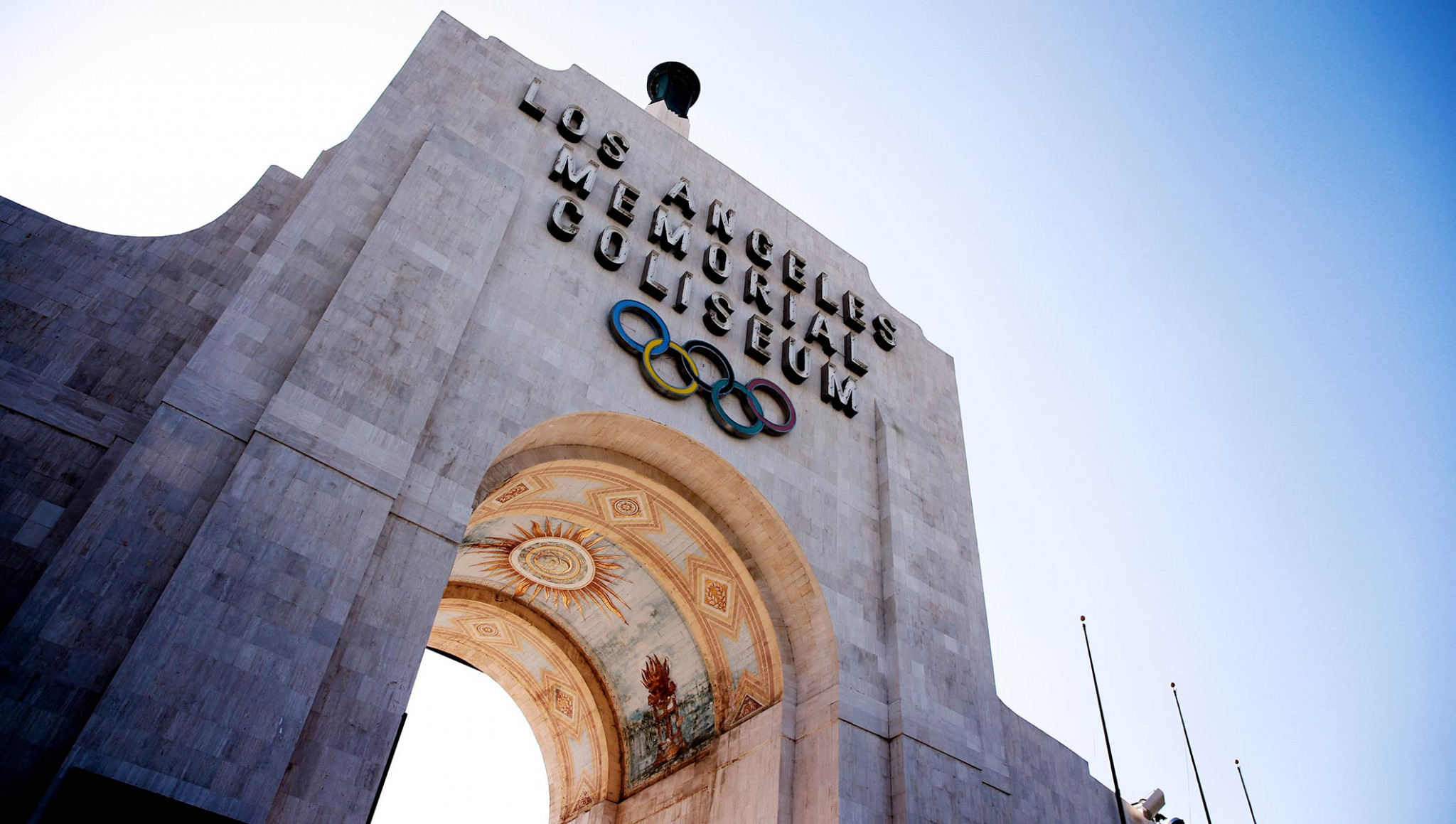 The Los Angeles Memorial Coliseum was among the venues visited by the delegation ©IOC