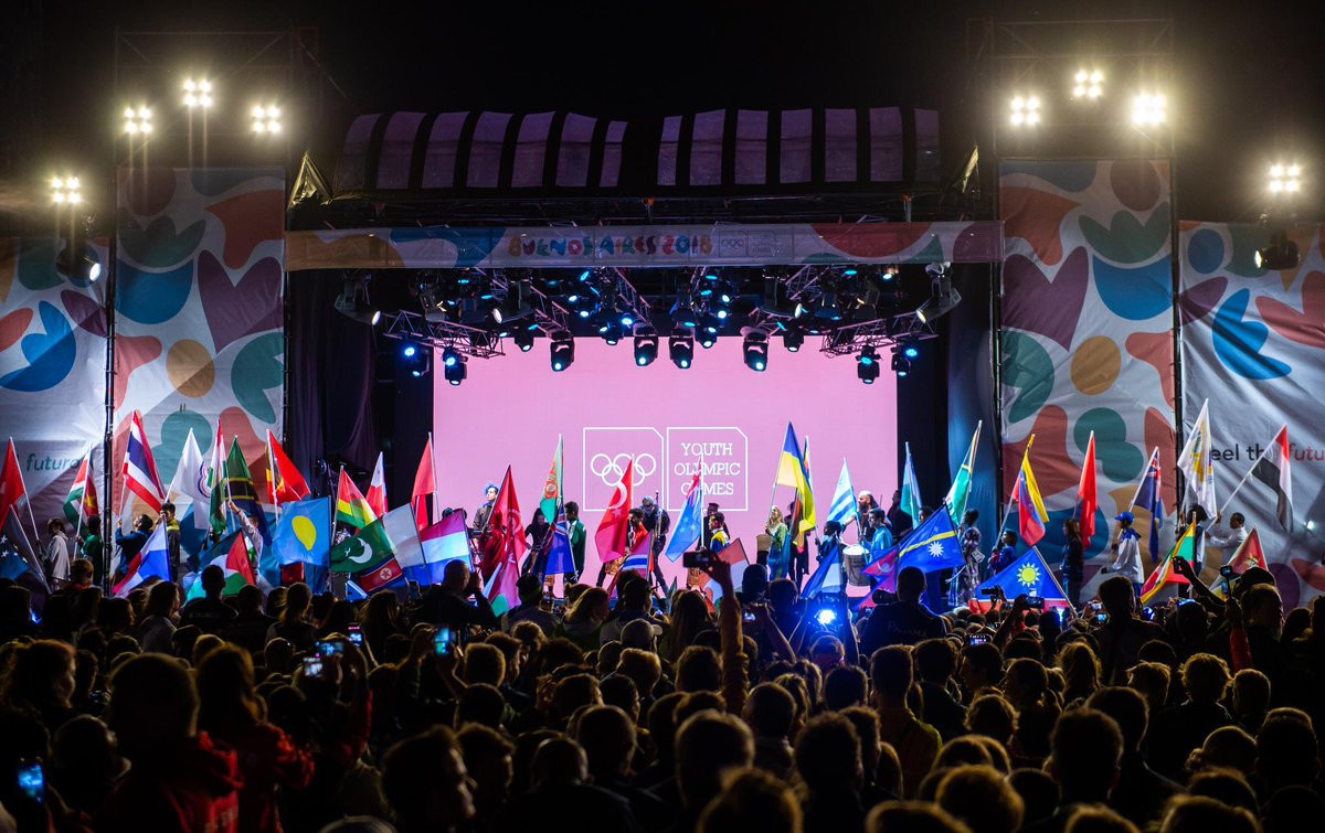 Bach declares Buenos Aires 2018 closed as flag passed to first African host of Olympic event