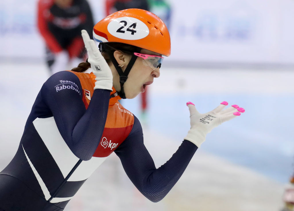 Schulting defends titles on day two of European Short Track Championships
