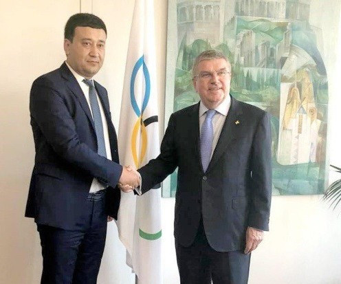 Umid Ahmadjonov, the President of the National Olympic Committee of the Republic of Uzbekistan, meets with Thomas Bach, the head of the International Olympic Committee, in Lausanne, Switzerland ©National Olympic Committee of the Republic of Uzbekistan