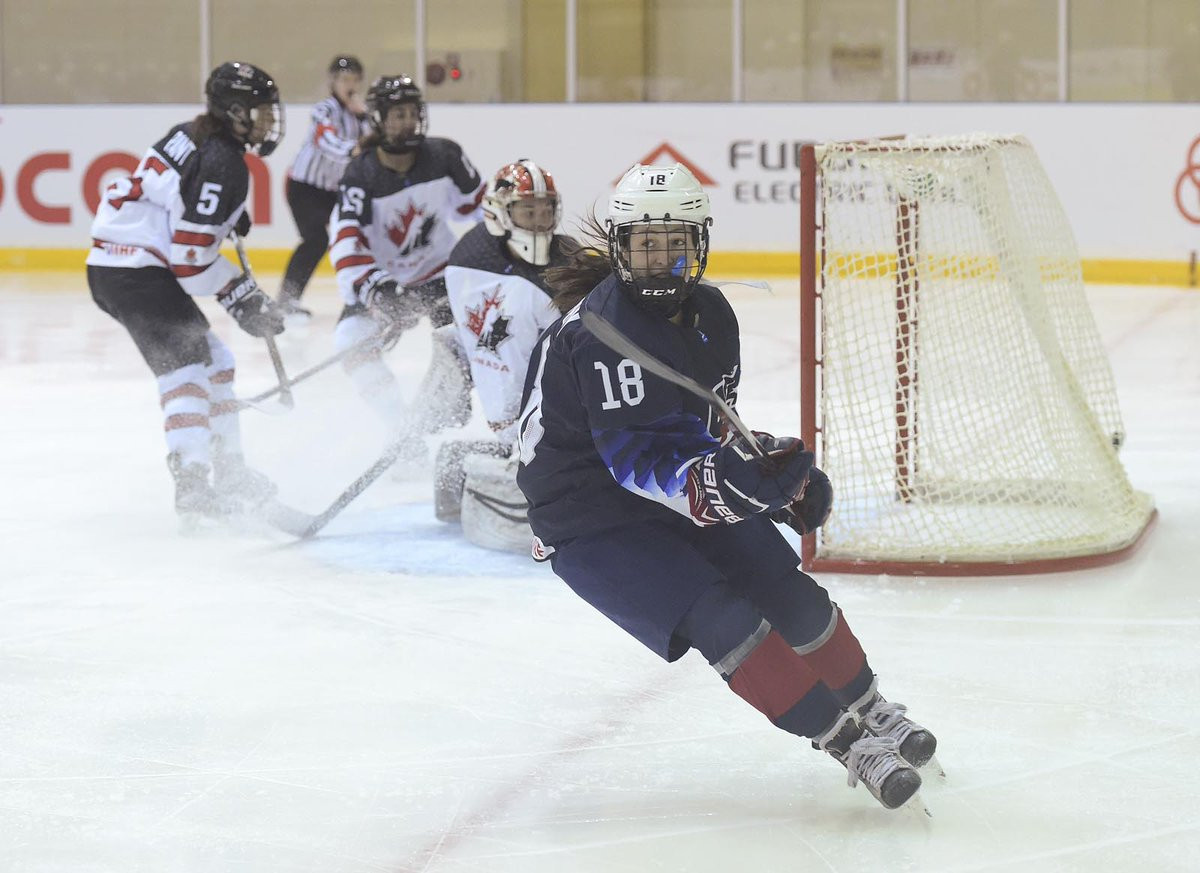 The United States came from behind to beat Canada 3-2 and top Group A at the IIHF Under-18 Women's World Championship ©Steve Kingsman/HHOF-IIHF Images