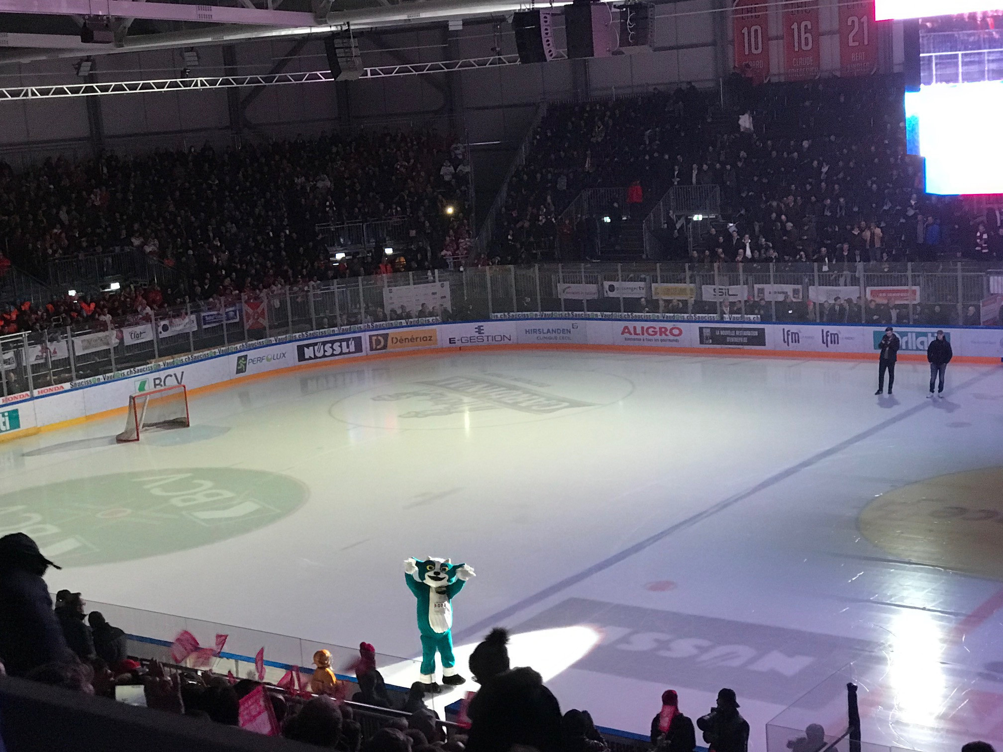 Yodli was unveiled today before a Swiss ice hockey match ©ITG