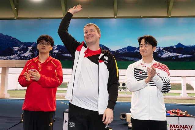 Reigning Olympic champion Christian Reitz won the controversial men's 25m rapid fire pistol final in New Delhi after India denied visas to two Pakistani athletes ©ISSF