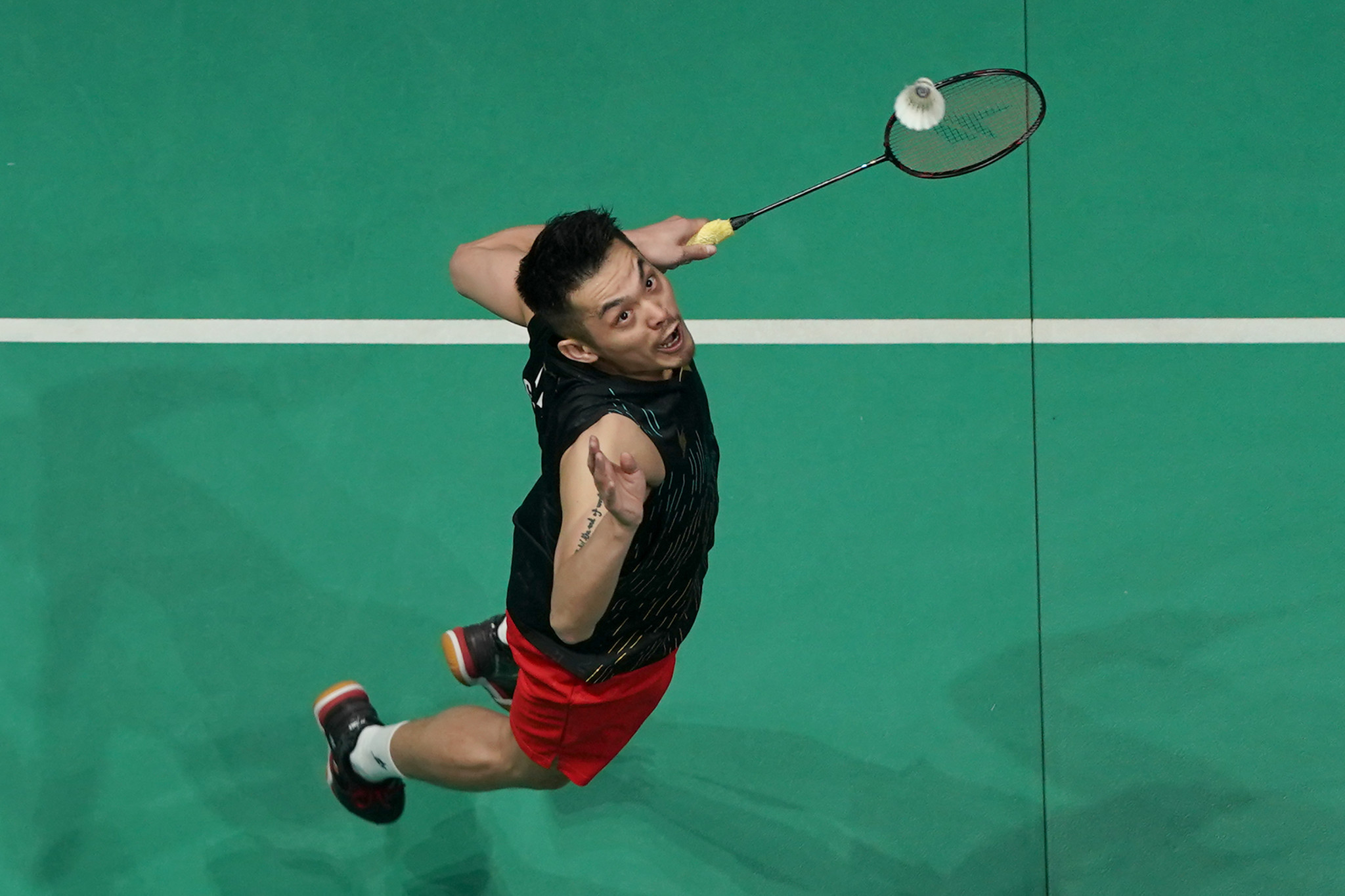 Lin Dan completed his return to form by beating Chen Long in the men's singles final ©Getty Images