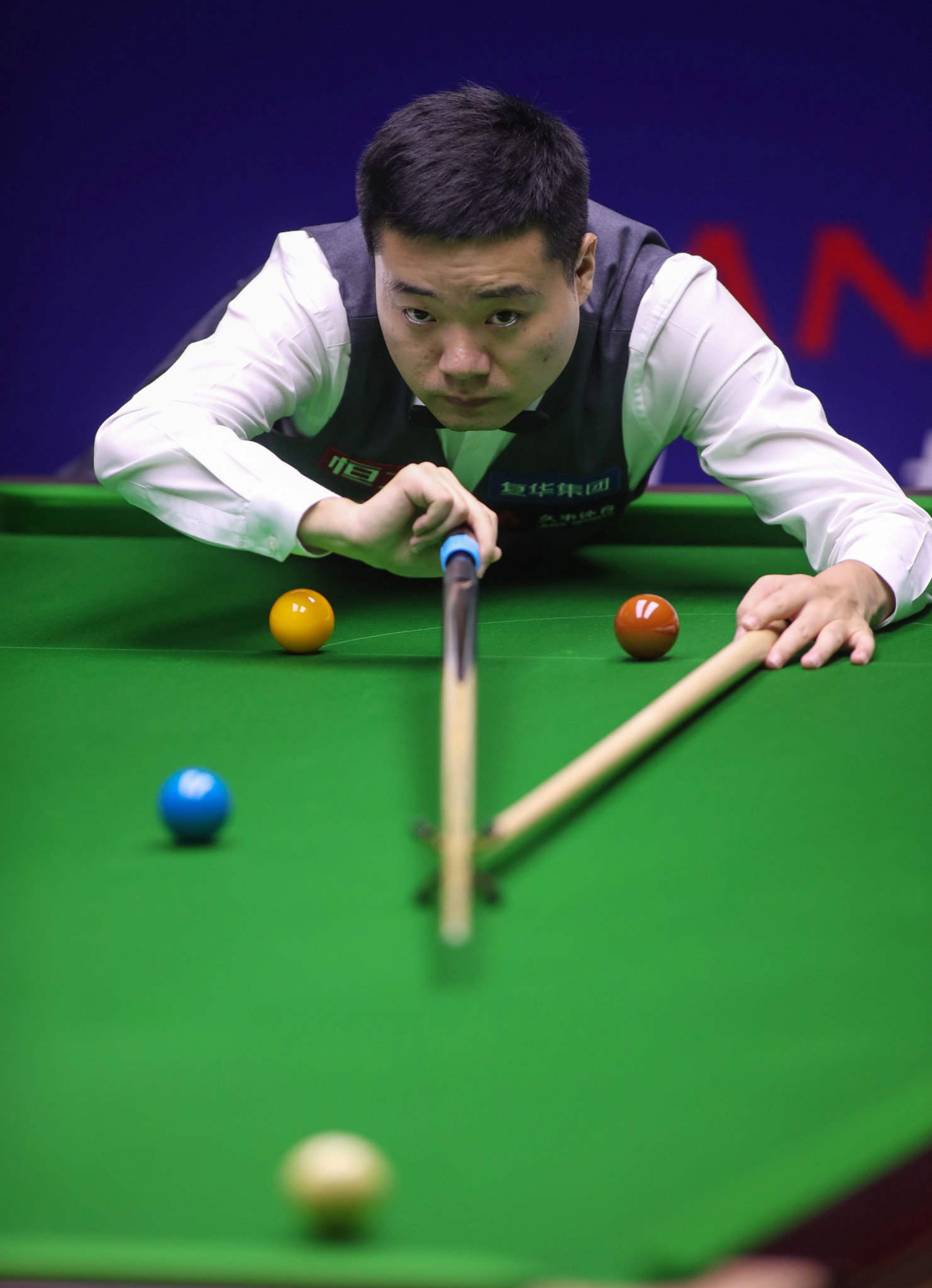 Ding storms back to take initiative against Trump at World Snooker Championship