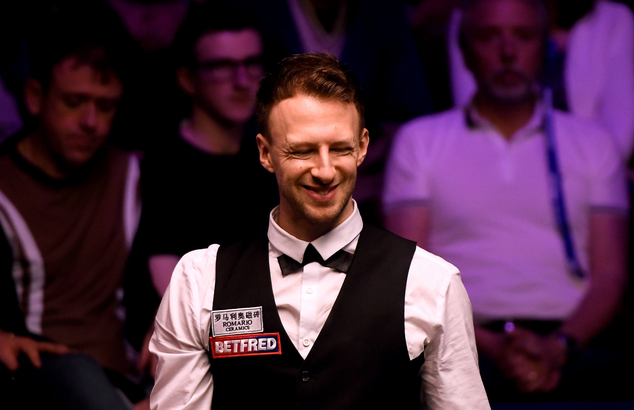Trump wins six frames in a row against Ding to earn World Snooker Championships quarter-final place