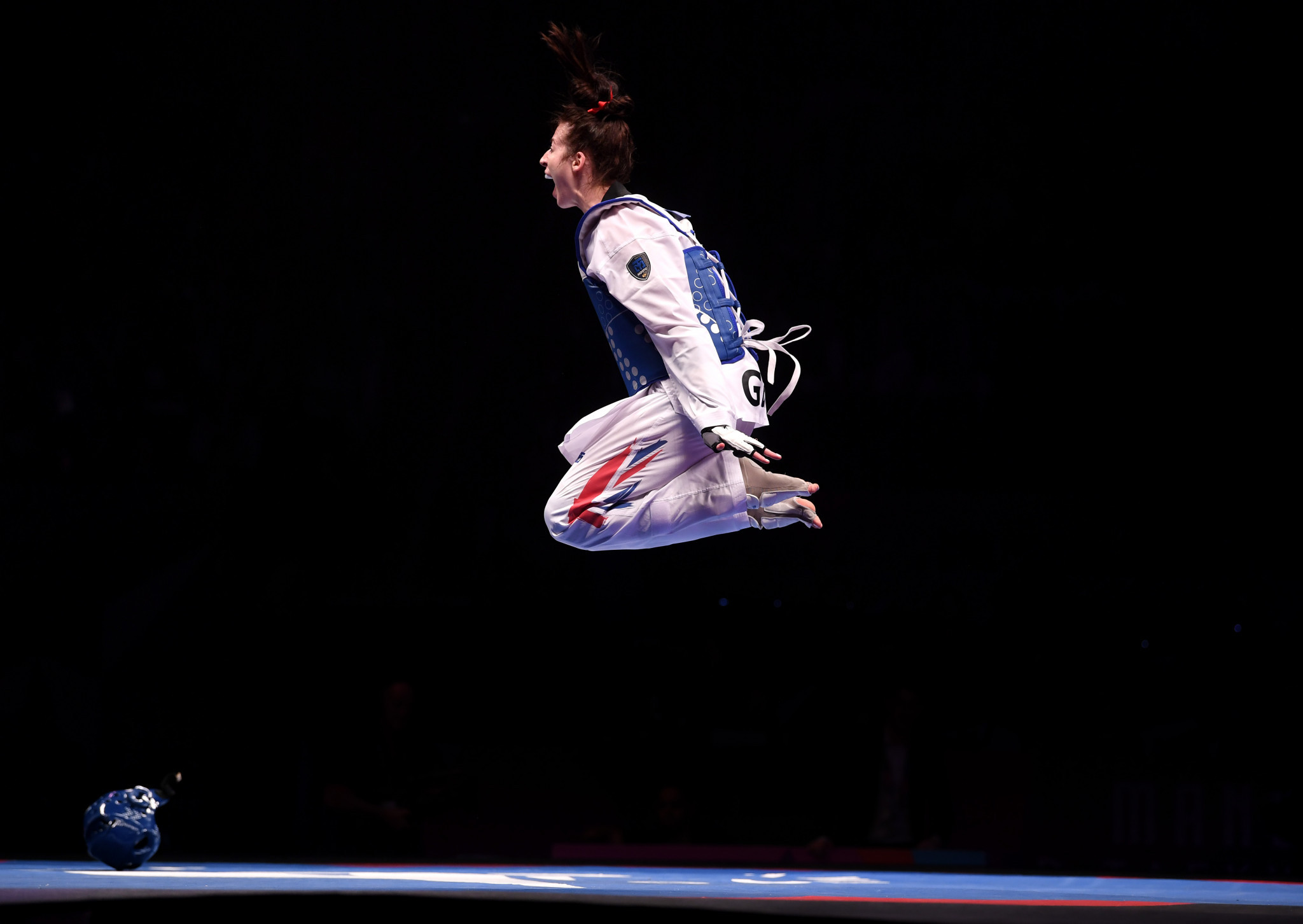 Walkden controversially wins third consecutive title at World Taekwondo Championships