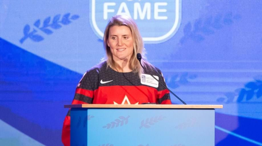 Hayley Wickenheiser says she does not think the International Olympic Committee should be censoring its members for their comments in relation to the coronavirus pandemic ©Getty Images