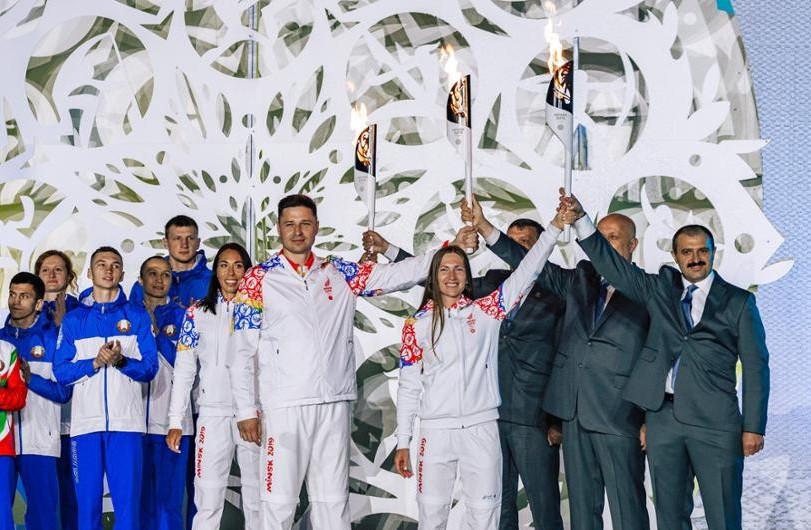 Quadruple Olympic biathlon champion Domracheva gets her hands on Minsk 2019 Torch