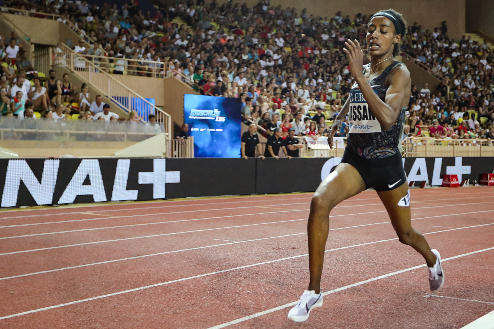 Hassan breaks women's mile world record at Monaco Diamond League meeting