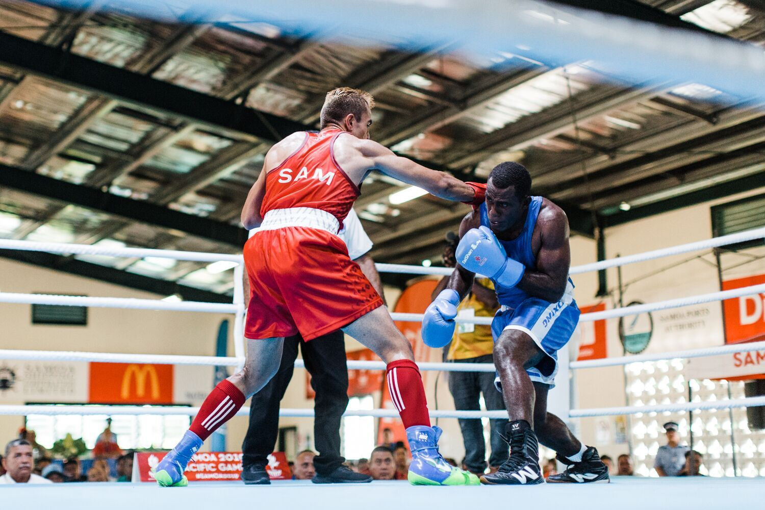 Action continued in the boxing competition at Don Bosco gym on Savai'i ©Games News Service