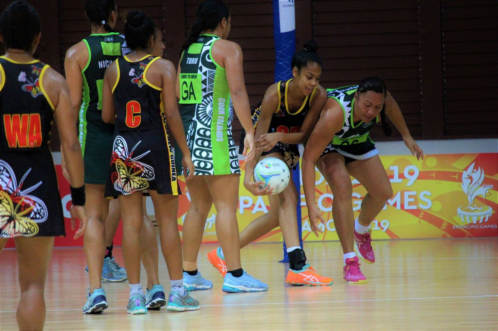 Cook Islands fought their way into the netball final by beating Papua New Guinea ©Samoa 2019