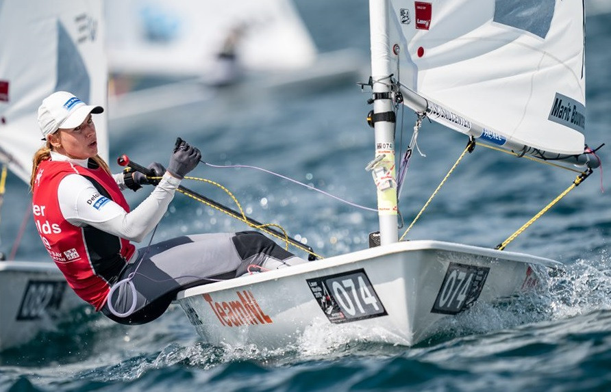 Reigning Olympic champion Marit Bouwmeester moved up into silver medal position  ©Junichi Hirai/Bulkhead Magazine Japan