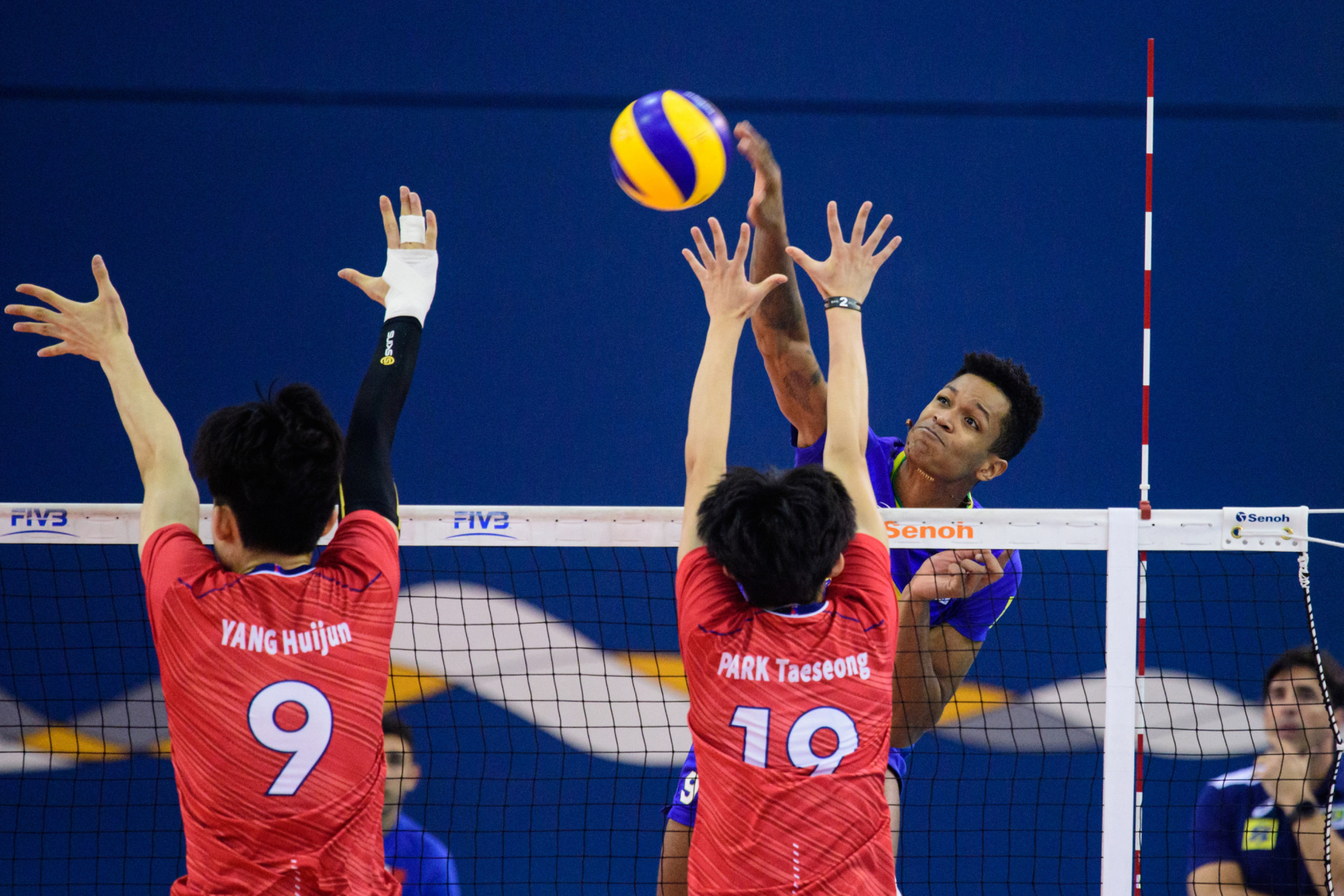Brazil's Viktor was a loser against Iran in the semi-finals of the FIVB Men's Under-21 Championship in Bahrain, despite top-scoring for his side with 10 points ©FIVB
