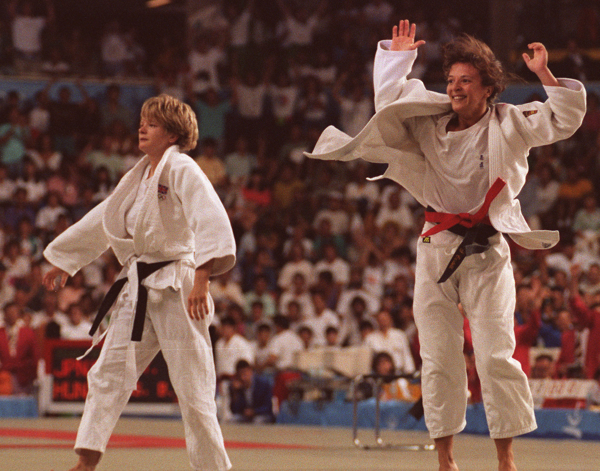 Miriam Blasco of Spain (R) jubilates after defeated Fairbrother of Great Britain in the women's under-56 kg judo final, 31 July 1992 at the Olympic Games in Barcelona ©Getty Images