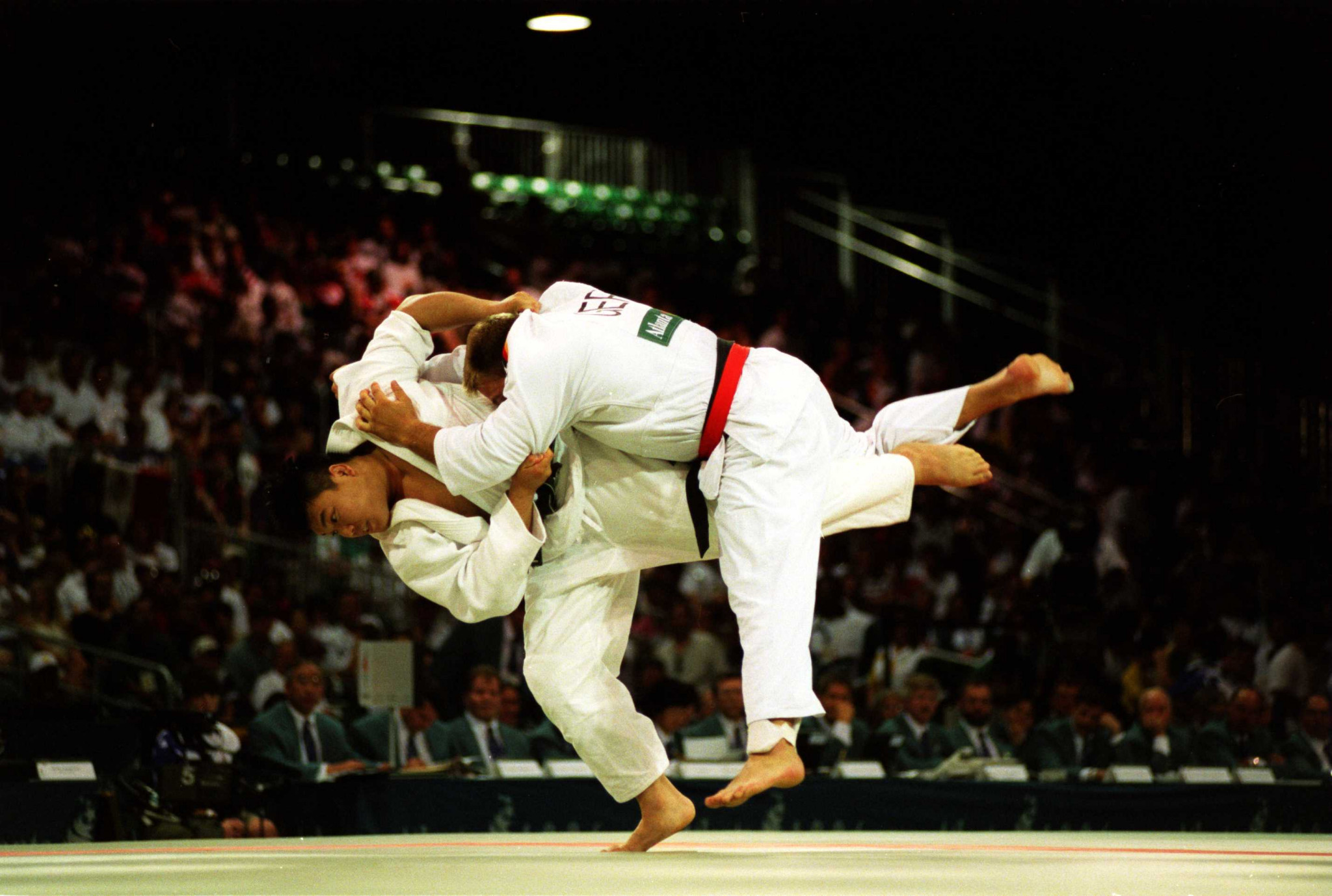 Olympic Games in Atlanta, Georgia. World Congress Centre. Heavyweight Judo. David Douillet (Fra) 1st. Eernesto Perezi (Esp) 2nd ©Getty Images