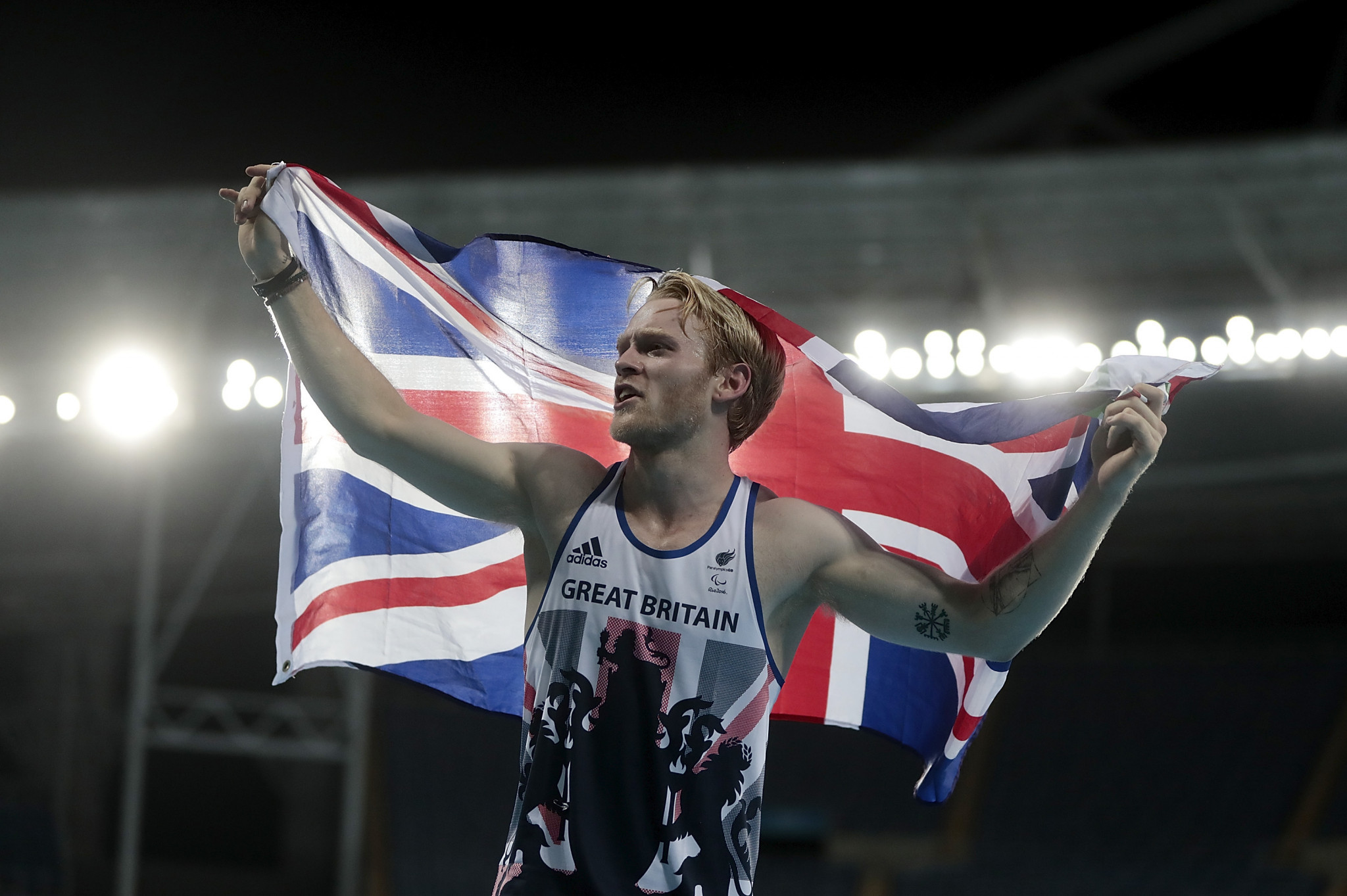 Jonnie Peacock of Great Britain celebrates after winning the Men's 100m F44 Final during day 2 of the Rio 2016 Paralympic Games at the Olympic Stadium ©Getty Images