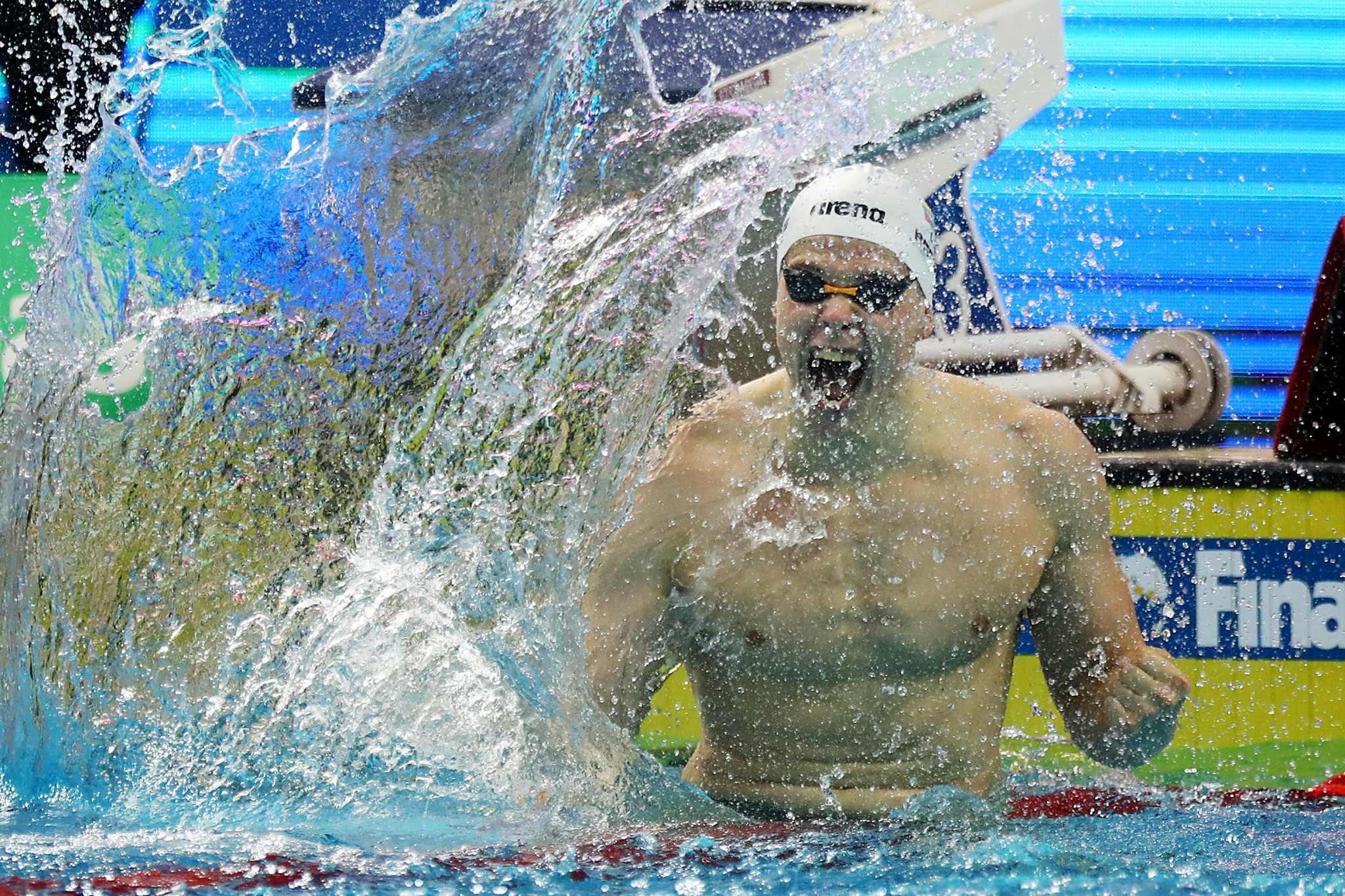 Rapšys sets FINA World Cup record to claim 200m freestyle gold in Singapore