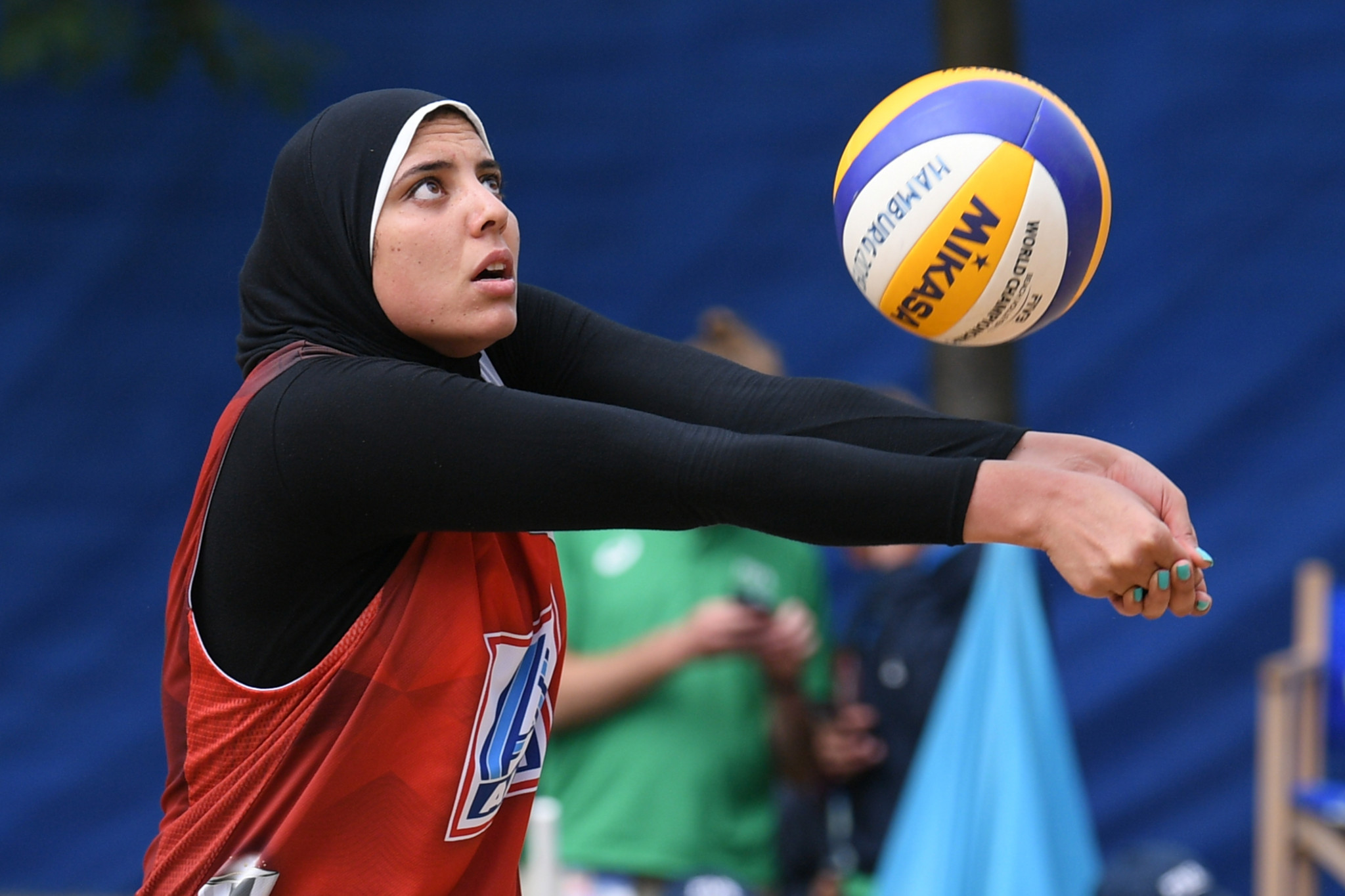 Doaa Elghobashy teamed up with Farida Elaskalany to win beach volleyball gold for Egypt ©Getty Images