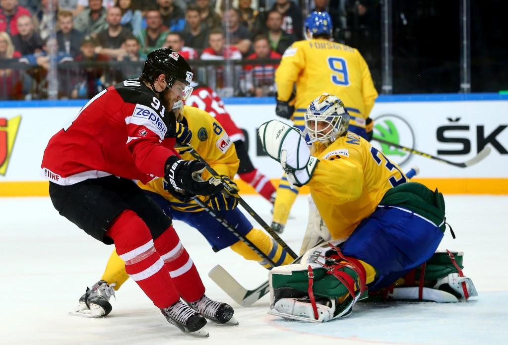 Canadian winning streak continues at Ice Hockey World Championship