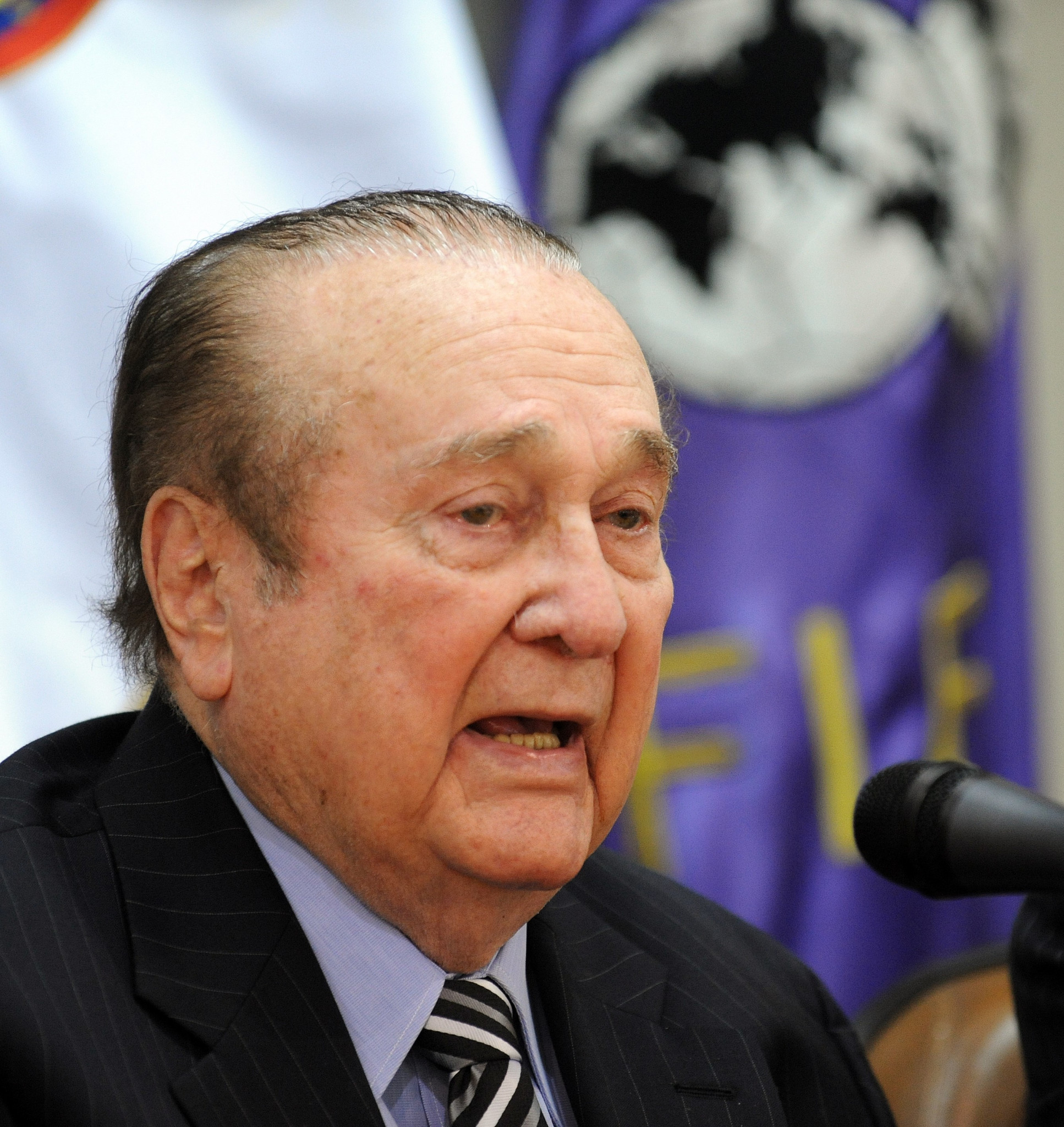 Disgraced former CONMEBOL President Leoz buried after death at age of 90