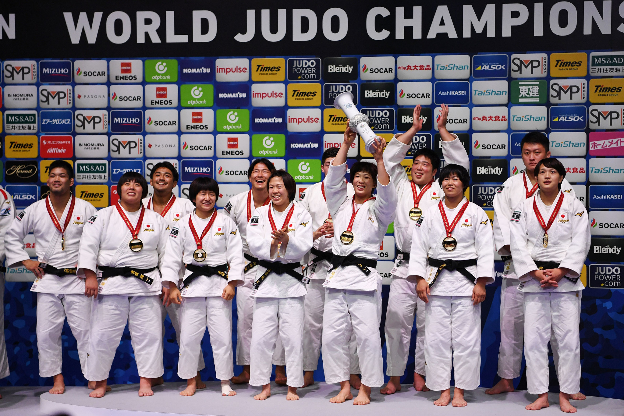 Stars Hanada, Ono and Arai help seal the deal for Japan in IJF World Championships mixed team event