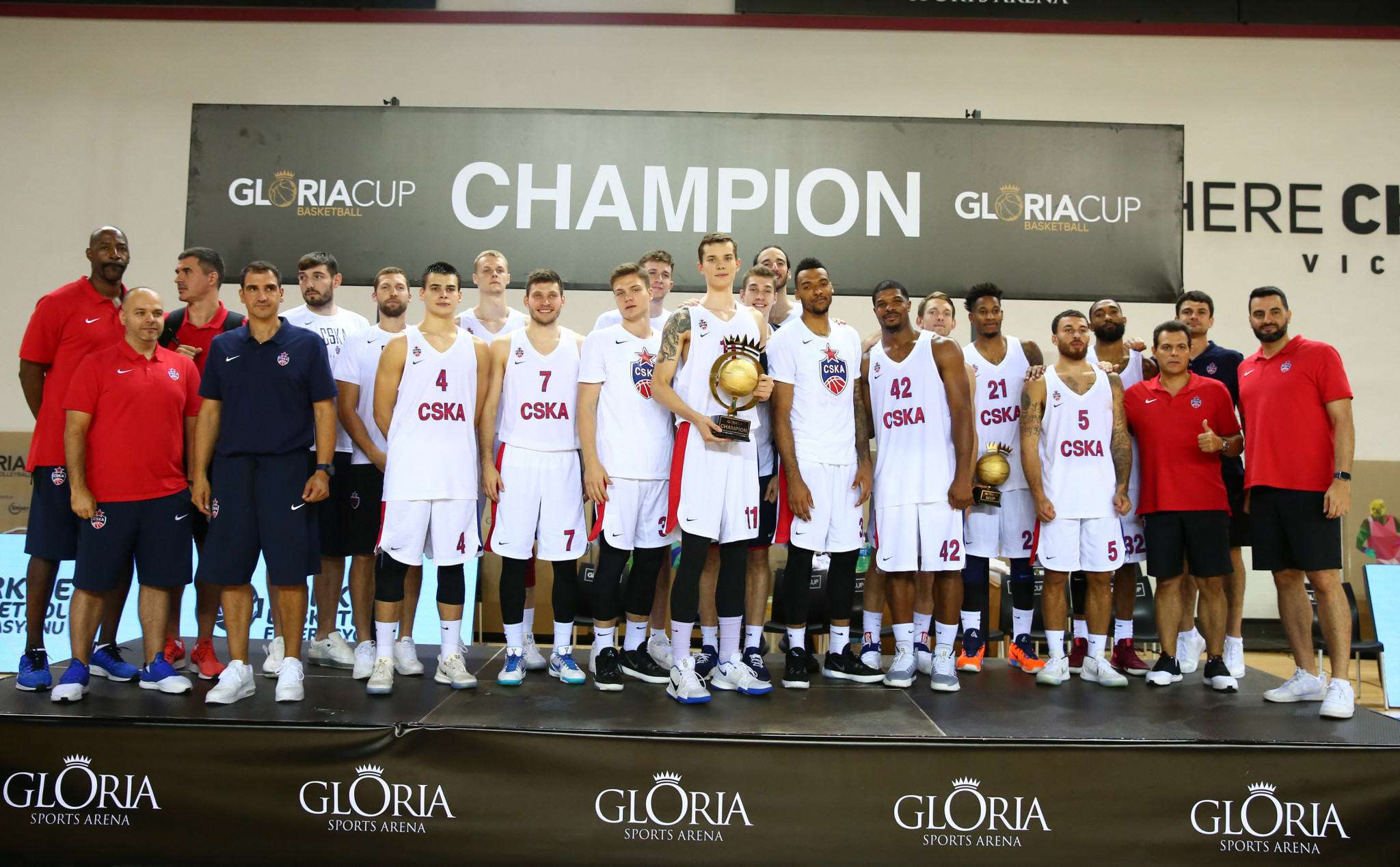 CSKA Moscow hold off late Anadolu Efes fightback to win Gloria Cup
