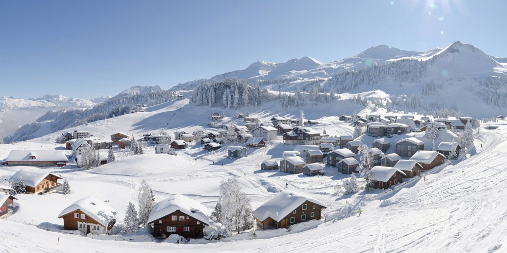 The parallel mixed team alpine skiing event at Lucerne 2021 will be held near the village of Stoos ©FISU