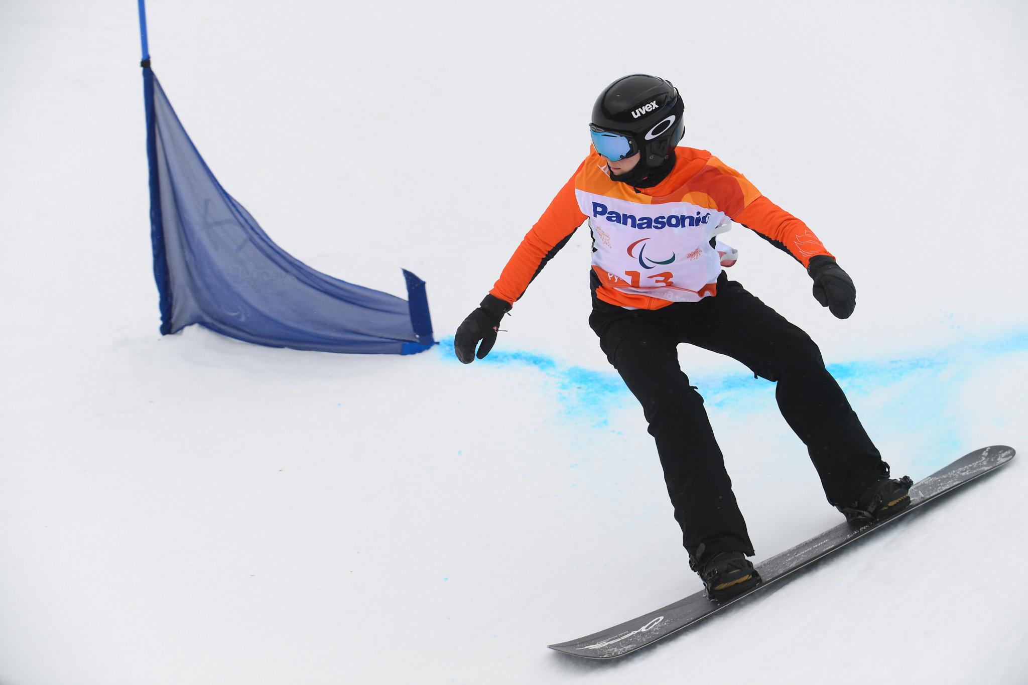 Dutch stars impress as Para Snowboard World Cup season begins