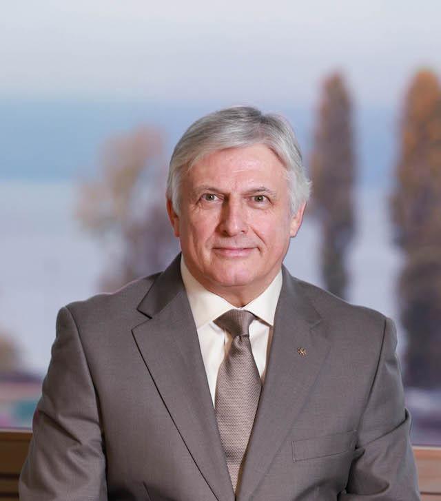 FISU honour secretary general Saintrond with Primo Nebiolo award