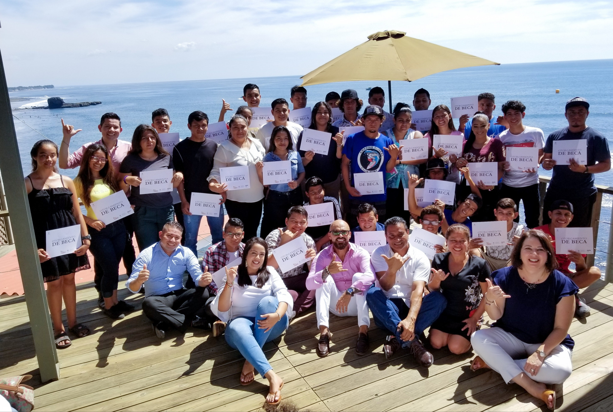 Scholarships have been awarded to people in the El Sunzal area to help them learn English as part of Surf City's strategic development plan ©El Salvador Ministry of Tourism