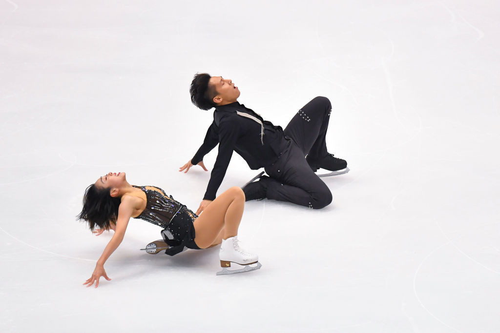 China's Sui Wenjing and Han Cong will be looking to claim the pairs gold medal ©ISU
