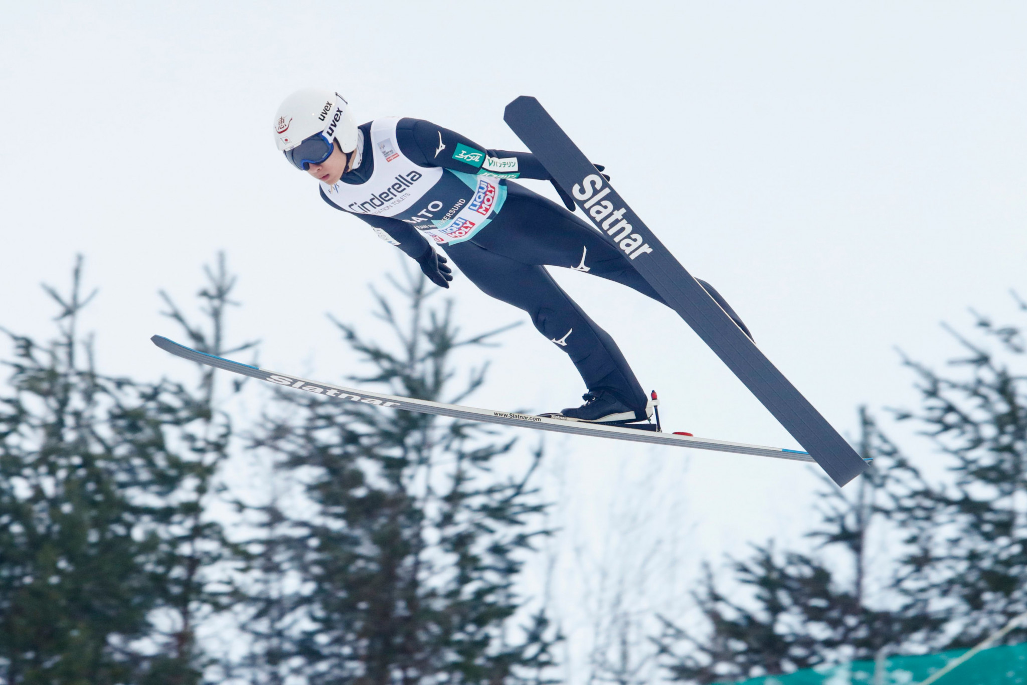 Sato victory ends Tande's winning start to FIS Ski Jumping World Cup season
