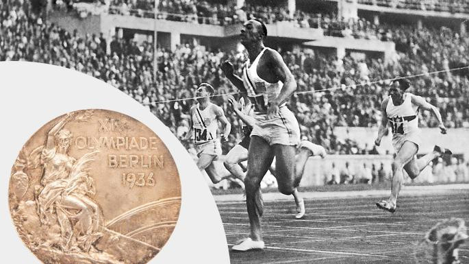 One of Jesse Owens' four Olympic gold medals from Berlin 1936 has sold for $615,000 at auction ©Goldin Auctions and Getty Images