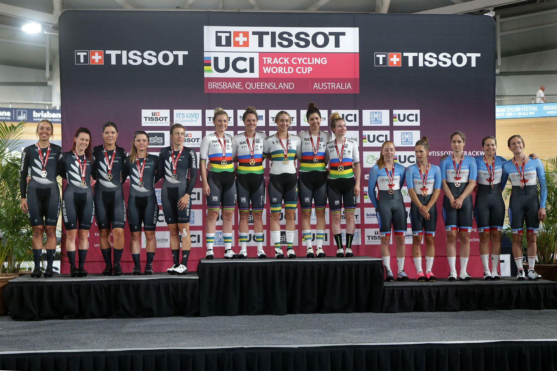 Hosts Australia dominate team pursuits on day one of UCI Track Cycling World Cup in Brisbane